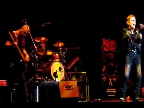 RED DRESS - ALVIN STARDUST ST DAVIDS HALL CARDIFF 2012