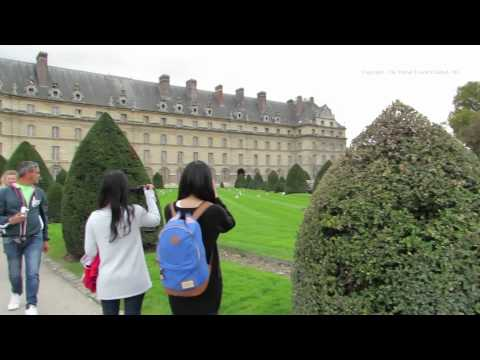 Walk around the Place Des Invalides in Paris - L'Hôtel national des Invalides 8