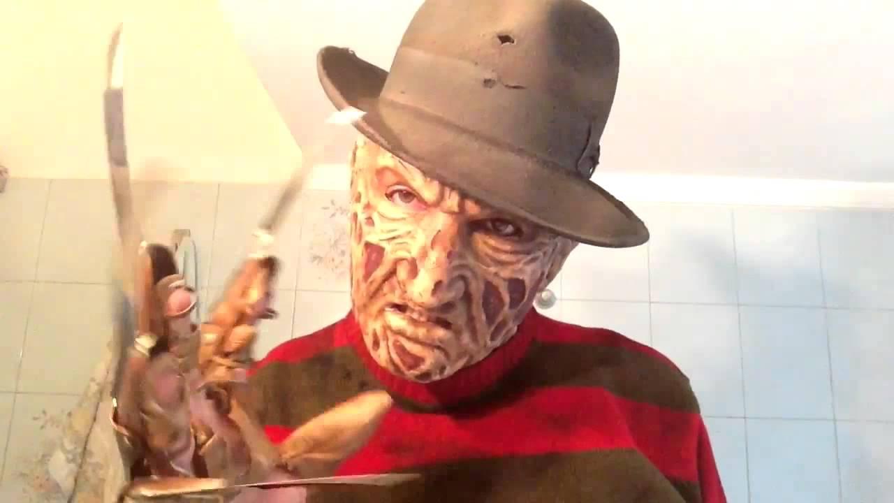 German Blondine fickt an Halloween als Freddy Krüger