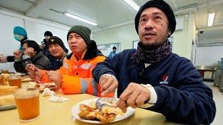 Валентина Чупик: Сегодня мигранты работают за еду(Отношения мигранта и работодателя все больше теряют свою юридическую силу. Ежемесячно сотни мигрантов..., 2016-02-15T10:41:08.000Z)