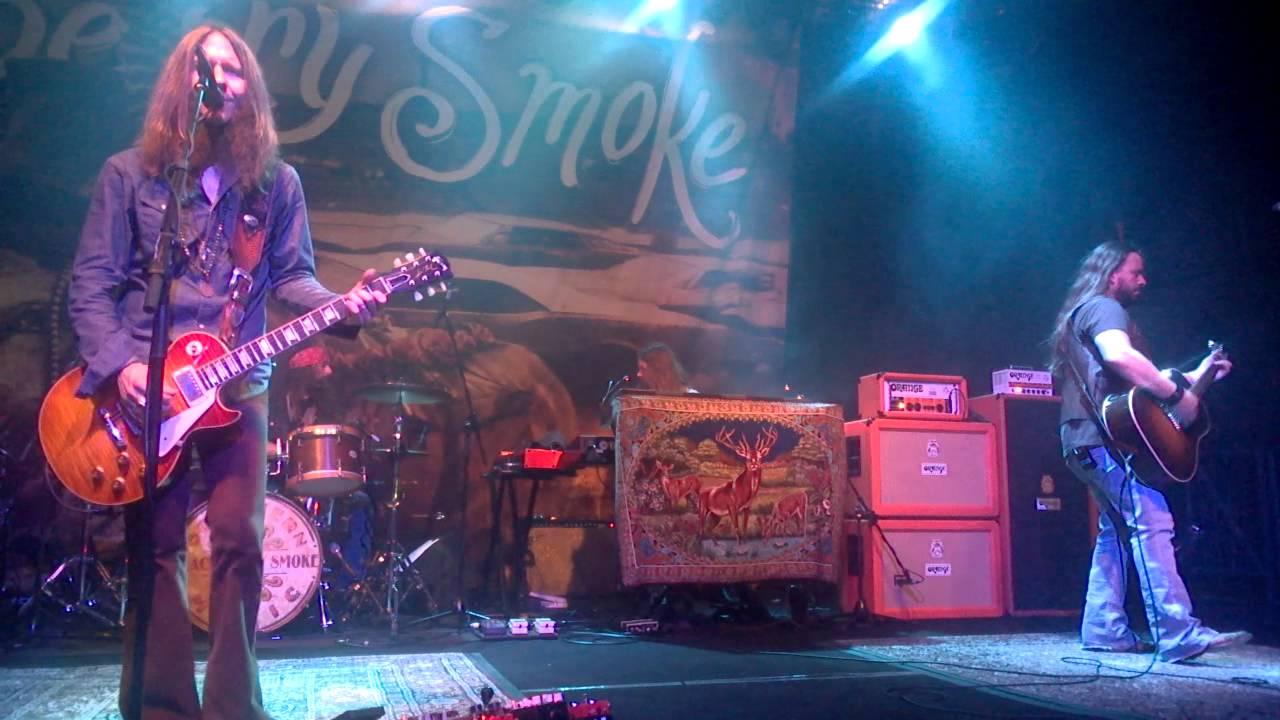 blackberry smoke one horse town live in milano 2015 youtube. Black Bedroom Furniture Sets. Home Design Ideas