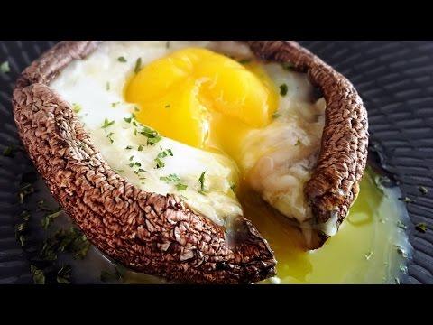Easy Egg Baked In Portobello Mushroom