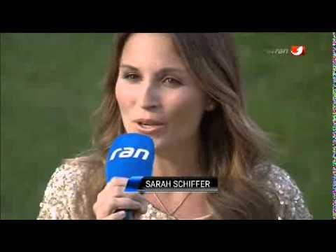 Sarah Schiffer singt die deutsche Nationalhymne auf Kabel1