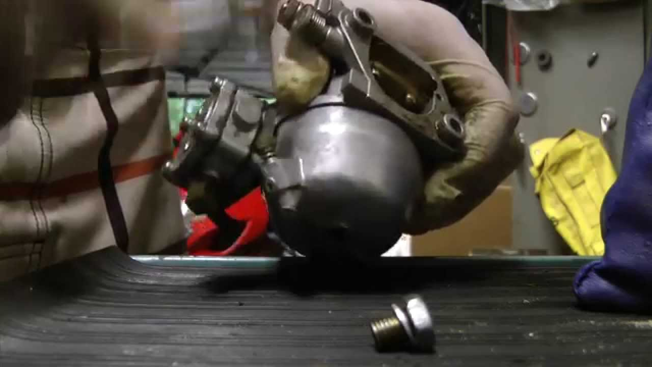 How to clean 6hp,8hp,9 9hp,15hp Suzuki 2 stroke outboard carb DIY