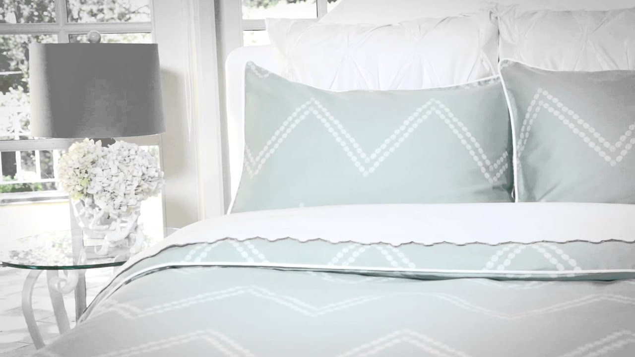 How to Fold a Fitted Sheet in Seconds   YouTube   Chevron bedding ...