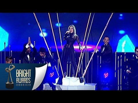 Wow Keren Banget Syahrini 'Dream Big' [Bright Awards] [08 Mar 2016]