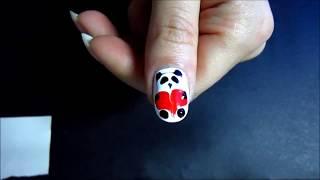 Простой рисунок на ногтях Панда 1