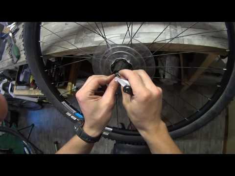 Регулировка задней втулки велосипеда с дисковым тормозом.