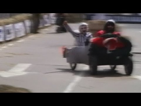 Soapbox race Argentina 2014: Red Bull's CrazyCar drivers dice with danger