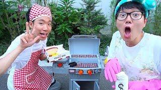 바베큐 그릴 장난감으로 맛있는 햄버거 만들어봐요~ 가게놀이 요리놀이 청소놀이 Boram Pretend Cooking with BBQ Grill Toy