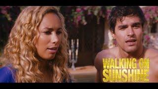 """Walking On Sunshine - Scena in italiano """"In piscina"""""""