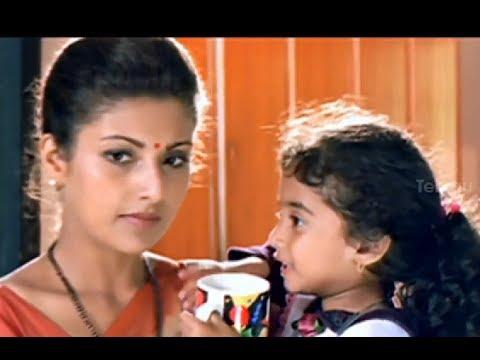 Baby Kavya fighting with Baladitya -  Little Soldiers Movie Comedy Scenes - Ramesh Arvind, Heera