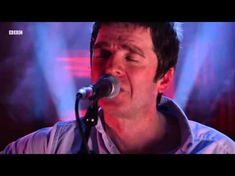 Noel Gallagher - Wonderwall (Radio 2 In Concert)