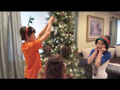 Christmas Decorating with Bratayley (WK 204.7) - YouTube