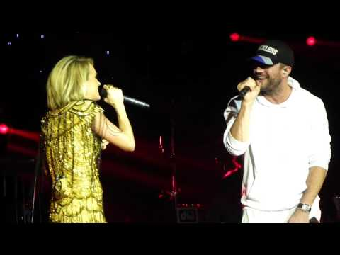 Carrie Underwood & Sam Hunt - Heartbeat (Live) C2C London O2 12/03/16