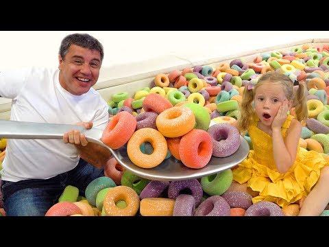 Stacy und Papa im Museum fr ungewhnliche helle Objekte
