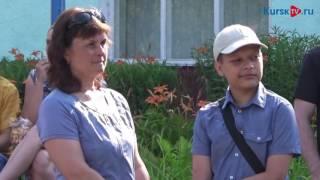 Сотня украинских детей из Курска отправились на отдых в Подмосковье(, 2016-07-18T10:09:26.000Z)