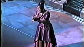 Patti LaBelle Make Tonight Beautiful / Somebody Loves You Baby/ I  Still Love You More [Live]