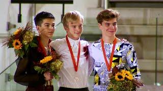 Церемония награждения. Юноши. Гран-при Италии по фигурному катанию среди юниоров 2019/20