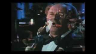 Watch music video: Frank Sinatra - The First Noël