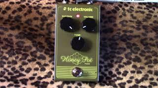 TC Electronic HONEY POT Fuzz pedal demo with Les Paul