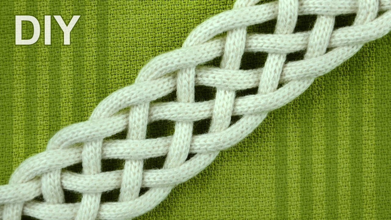 How To Braid With Six Strands Simple Friendship Bracelet Youtube