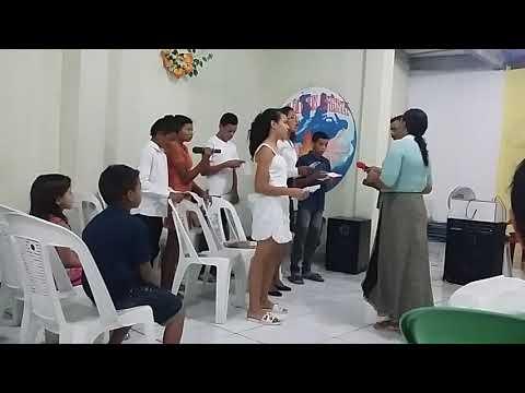 Os jovens da ass: Pentecostal Labareda de fogo louvando au senhor
