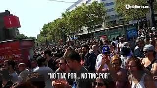 """Gritos de """"No tinc por"""" (no tengo miedo) en Plaza Catalunya"""