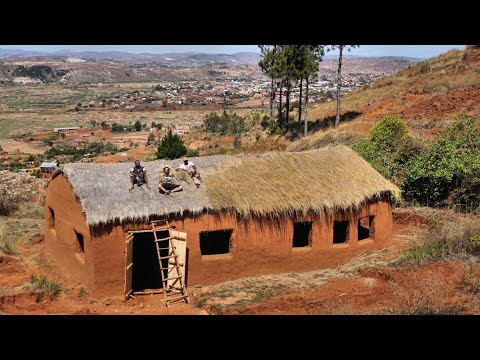 Madagascar / Sustainable rural living as a collaboration between locals and visitors