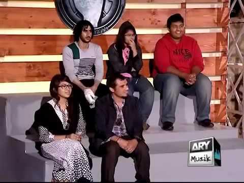 Naughty Girl In Waqar Zaka Show