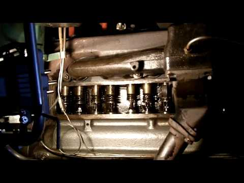 Pontiac Chieftain 1949 straight-8 valves
