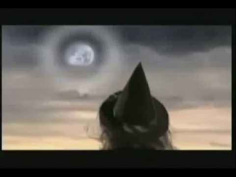 THE WORST WITCH / LA BRUJA DESASTROSA OPENING