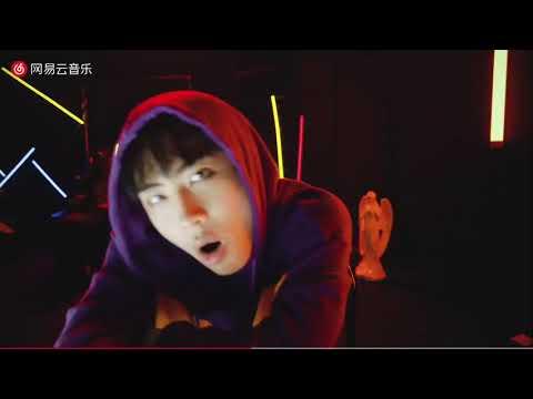 《AYA》新出爐MV ICE楊長青 預告很久終於出了 ice如此的炸裂 超帥造形 中國新說唱選手ice比賽歌