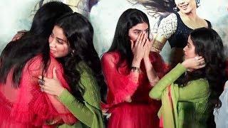 Khushi Kapoor Breaks Down And Emotionally Hug Sister Jhanvi Kapoor At Dhadak Trailer Launch