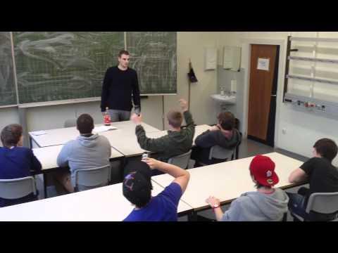 10 Dinge die sie im Unterricht nicht tun sollten von YouTube · HD · Dauer:  5 Minuten 31 Sekunden  · 3.332.000+ Aufrufe · hochgeladen am 27.06.2012 · hochgeladen von Rene Sharkii
