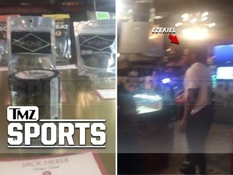 Ezekiel Elliott: Marijuana Tourist...During Seattle Road Trip (VIDEO) | TMZ Sports