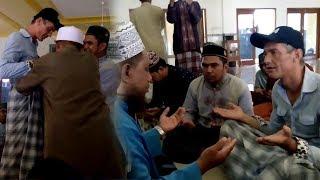 Bule Bercelana Pendek Masuk Masjid, Usai Lihat Jemaah Salat Dan Ditanyai, Beri Jawaban Mengharukan