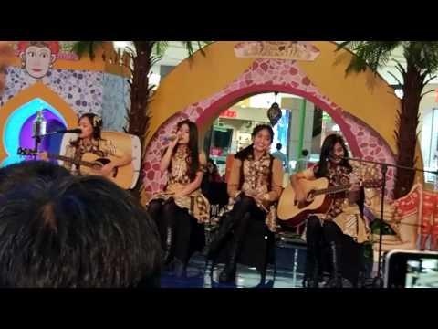 JKT48 Team K3 Accoustic - Apakah Kau Melihat Langit Mentari Senja (Nadila, Sonia, Sisca, Aurel)