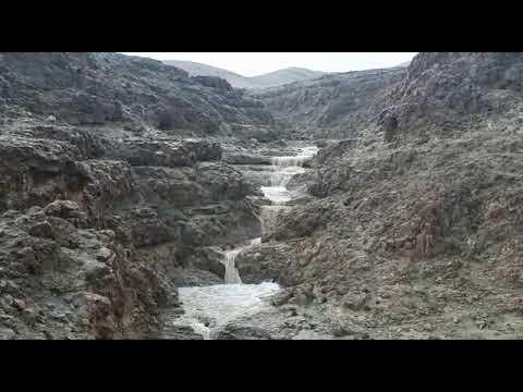 זרימה חזקה בנחל צאלים בדרום מדבר יהודה