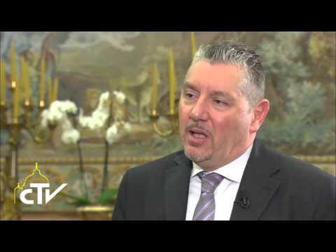 Intervista al cardinale Pietro Parolin, segretario di Stato vaticano 20-11-2015