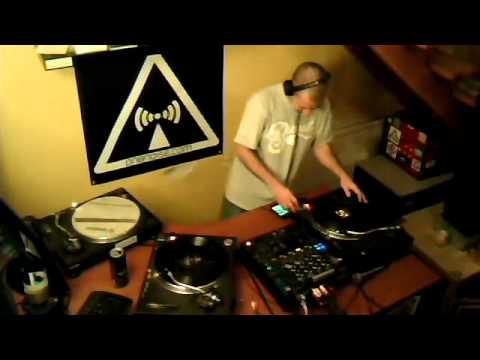 Zoom & Rol& @ Zion Train Radioshow on dnbnoise.com 13/12/2012