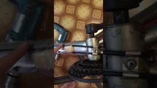 ремонт-замена держателя тросика велосипеда установленного в районе каретки на раме