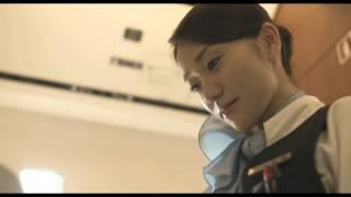 大島優子演じる北條鉢子は、ロマンスカーで車内販売を行うアテンダント...