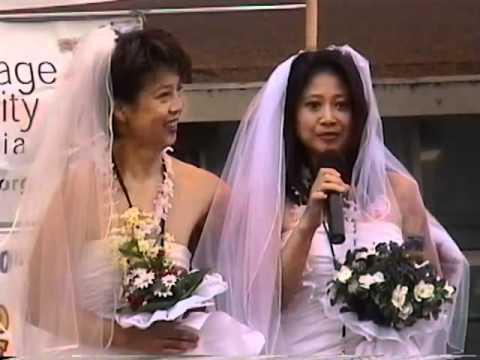 lesbian-girl-asian-alicia-keys-in-the-nude