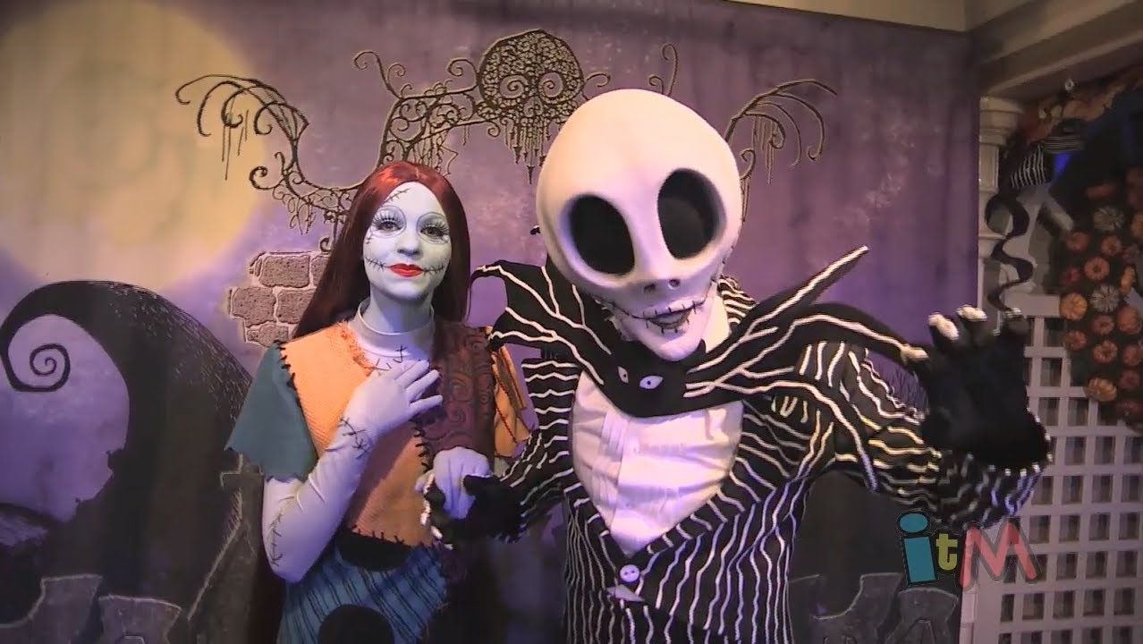 Halloween Jack Skellington Scary.Jack Skellington And Sally Meet And Greet At Mickey S Not So Scary Halloween Party