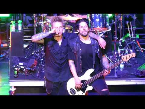 """Last Resort"" Papa Roach@Wellmont Theater Montclair, NJ 4/11/18"