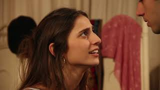 Escena de Friends: Maria Pérez y Juan Benicio Stellatelli