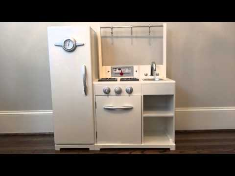 Pottery Barn Kids All-in-1 Retro Kitchen Review Part 1