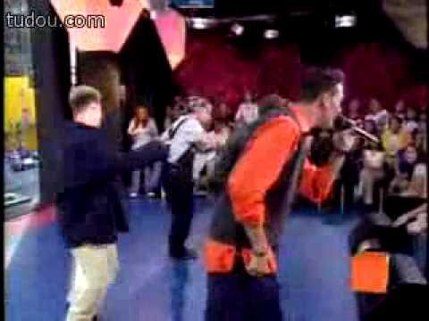 N Sync - Tearin Up My Heart  (Live  MTV TRL 1998.)