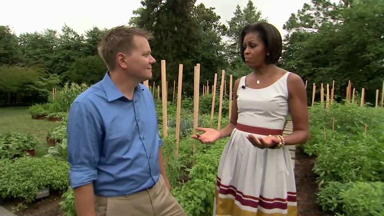 White House Kitchen Garden White House Garden Tour With First Lady Michelle Obama Youtube